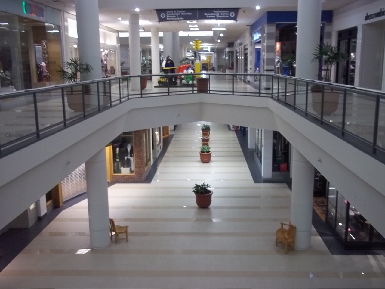 Monmouth Mall 8-2-2011-080